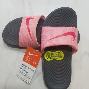 NWT Girls Nike slides size 1 youth